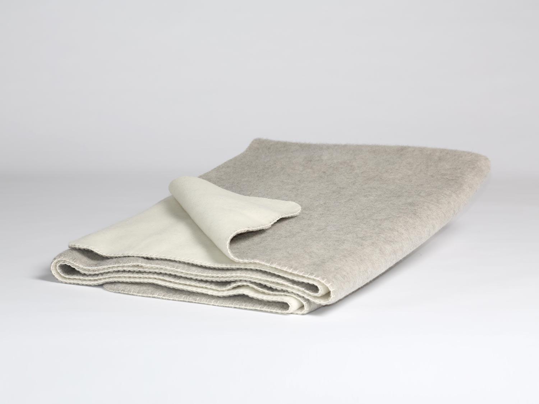 yumeko-alpaca-plaid-ivory-white