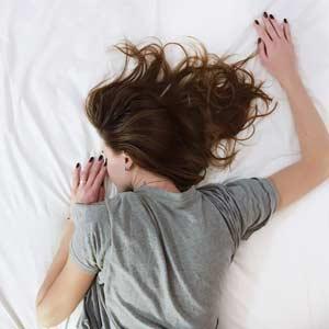 5 Schlaftipps für die kürzesten Nächte im Jahr