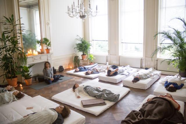 Yoga Nidra op de Yumeko matrassen