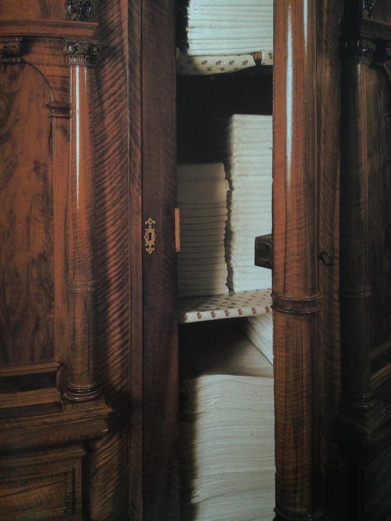 Blik in de 17de eeuwse linnenkast